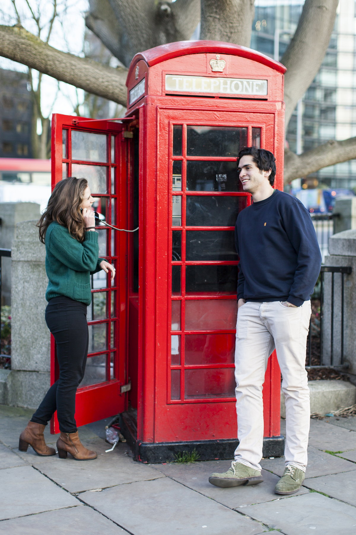 London photography, couple portrait, Westminster, red phone box