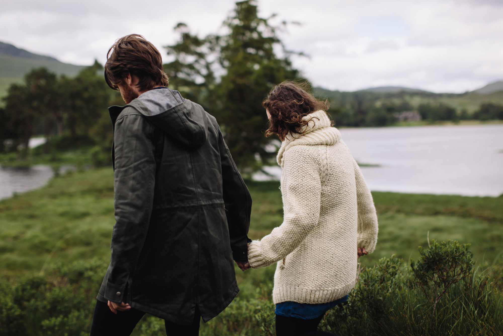 couple photoshoot in Glencoe, Scotland, scottish wedding photographer, creative and romantic portraits