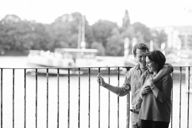 London Engagement photo shoot, Couple portrait, Wandsworth Park - Hermione McCosh Photography